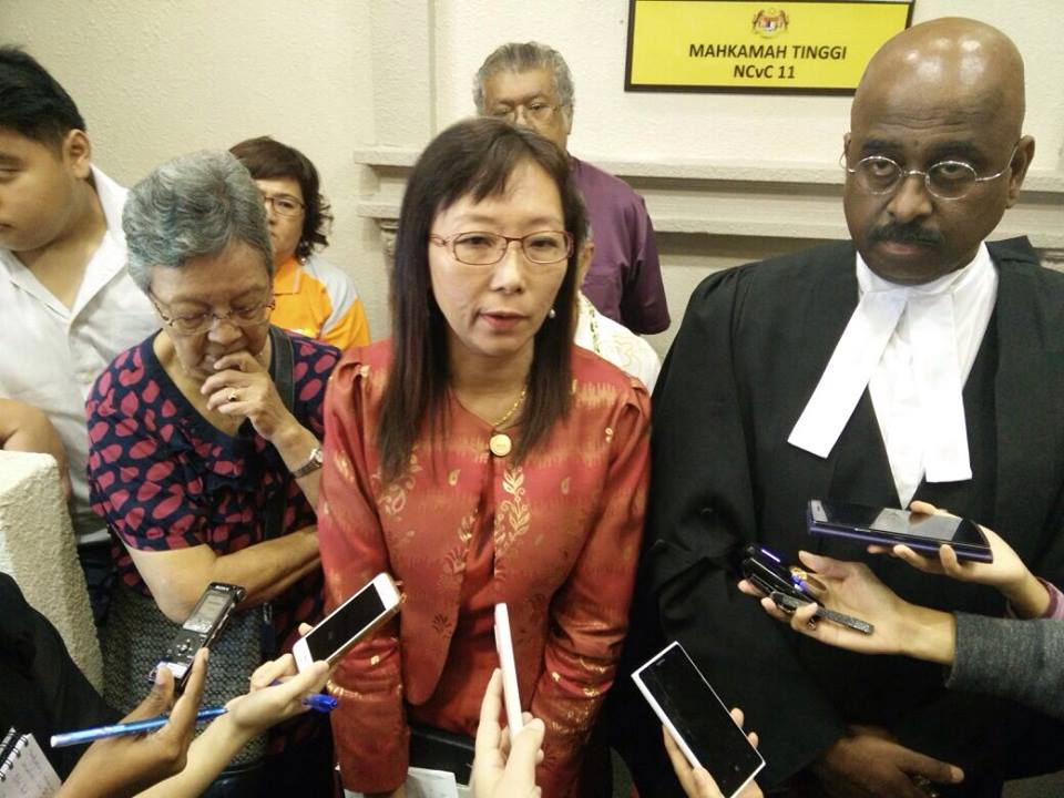 Teresa after the Court's decision (Pic from Teresa Kok)