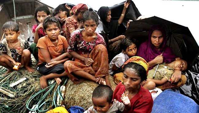 The Rohingya adrift at sea are facing dire situations. (Pic from Free Malaysia Today)